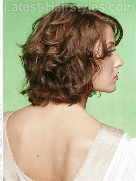 how to layer curly shoulder length hair african american growing out wavy hair needs a bit of style this is a