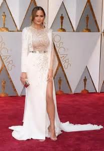 chrissy teigens oscar dress flaunts legs  sexy slit hollywood life