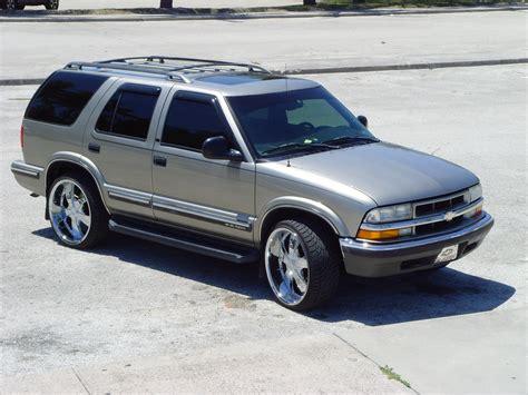 1998 chevrolet blazer specs pictures trims colors cars com 1998 chevrolet blazer pictures information and specs auto database com