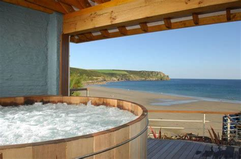 hotels with tubs in the room uk 8 stunning uk hotels featuring luxurious outdoor tubs