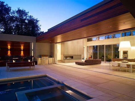 modern  shaped california home  central patio