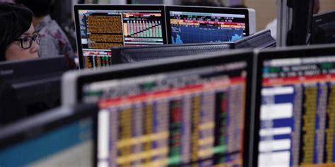 hukum perusahaan multinasional liberalisasi hukum perdagangan internas pengamat krisis ekonomi situasi normal liberalisasi