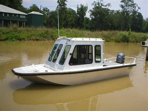 small cabin boats aluminum hulled cabin cruiser boat ideas pinterest