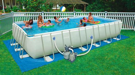 giardini con piscine fuori terra arreda il giardino con le piscine fuori terra intex