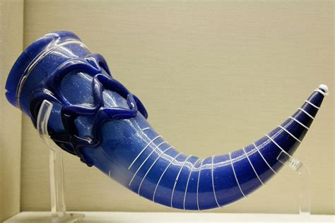 File:Glass drinking horn BM MME1887.01 08.2 Wikimedia Commons