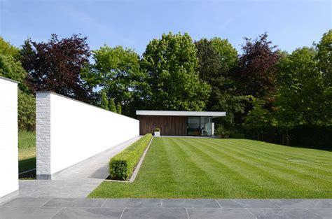garten hecke villa gfr by de jaeghere architectuuratelier in roeselare