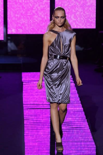 Versace 2009 Milan Fashion Week by Pivovarova Photos Photos Versace Fashion Show