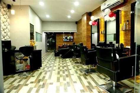 small beauty salon  sale  mumbai india seeking inr