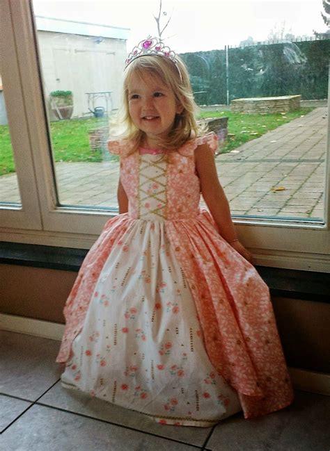 disney baby jurken prinsessenjurk zelf maken naaien inspiratie sewing