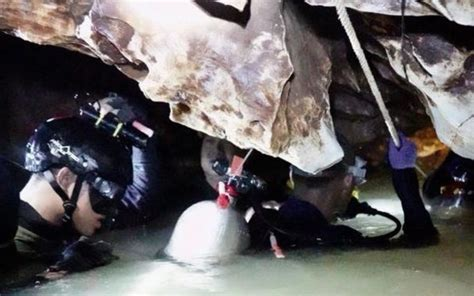 film thailand over night thai cave rescue remaining boys wait for operation to