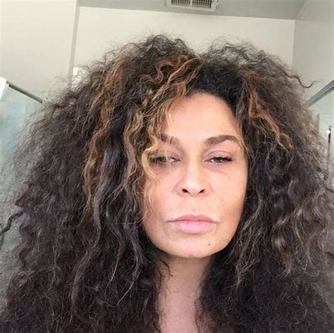 tina knowles hairstyles beyonc 233 s mom looks flawless in this makeup free selfie