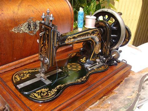 singer upholstery sewing machine old models old vintage antique hand crank singer sewing machine model