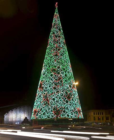 arbol de navidad gigante callao y sol ser 225 n los 250 nicos puntos con 225 rbol de navidad