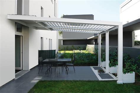 come costruire una tenda da ceggio foto copertura con lamelle in alluminio orientabili di