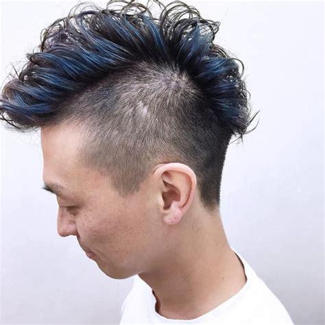 wavy curly hair widows peak 45 amazing widow s peak hairstyles 2018 trends