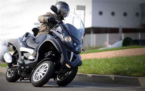 Roda 3 Rodanya Saja motor roda tiga tricity apa bagusnya sih motorblitz