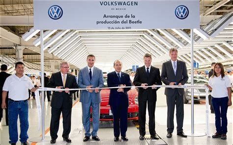 volkswagen mexico plant production of 2012 volkswagen new beetle starts in mexico