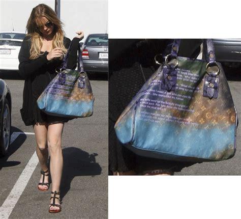 Lindsay Lohan Louis Vuitton Key Holder by Lindsay Lohan Shows Louis Vuitton Tote Popsugar
