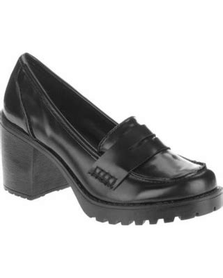 Don't Miss This Deal: MOMO Women's Chunky Heeled Loafer