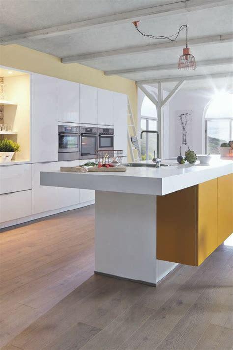 eine wand küche mit insel 50 besten k 252 chen wandgestaltung bilder auf