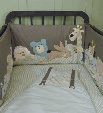 tour de lit taupe motifs doudous animaux pour lit b 233 b 233 60