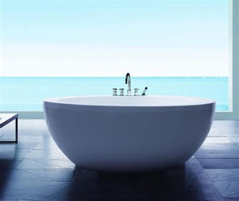 baignoire ilot lumineuse baignoire sabot balneo maison design wiblia