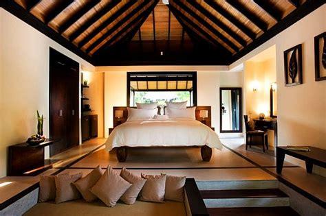 wonderful Beach Cottage Decorating Ideas #1: beach-house-bedroom-decorating.jpg