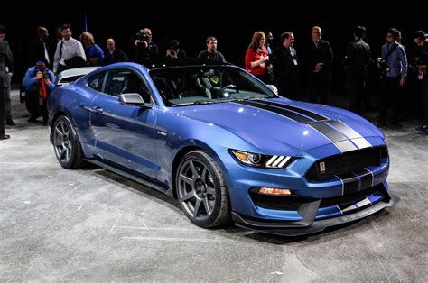 2015 ford mustang gt350 2015 ford shelby gt350 production run limited to 100 units