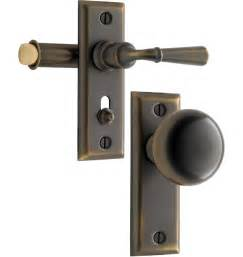 screen door hardware latches and locks search