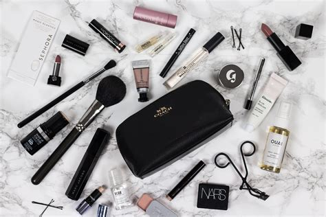 Whats In Your Make Up Bag 1 by What S In My Makeup Bag Seewantwear