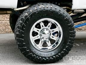 Chevrolet Truck Aftermarket Wheels 2005 Chevy Silverado 2500 Weld Wheels Photo 14