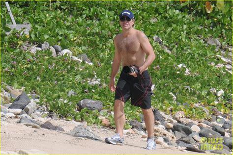 Shirtless Jon Bon Jovi Still At 45 by Jon Bon Jovi Alive Well In St Bart S Photo 2612251