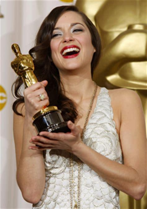 oscar best actress marion cotillard france in london marion cotillard wins the oscar for