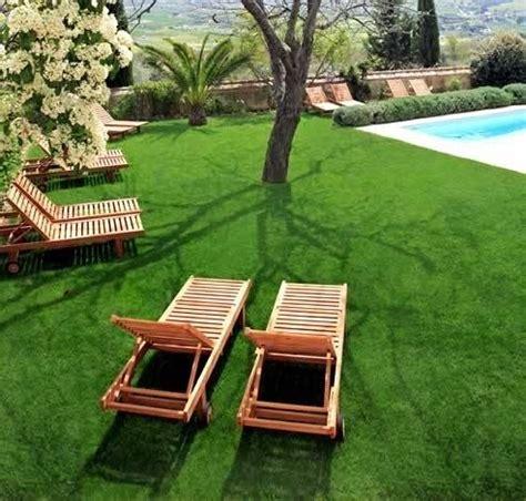 prato finto per terrazzo prato sintetico materiali per il giardino