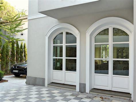 puerta con ventana ventanas de madera y los mejores cerramientos a medida