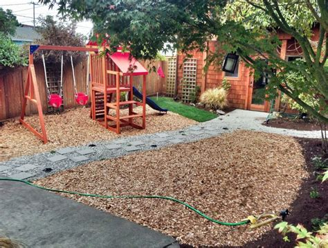 wood chips landscaping best 25 wood chips landscaping ideas on gravel front garden ideas landscape