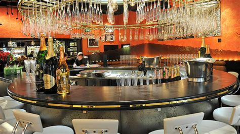 Bar On Top Of One New Change by Chagne Bars Pub Bar Visitlondon