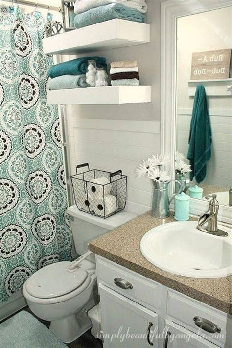 decorated bathroom ideas small apartment bathroom decorating ideas on a budget