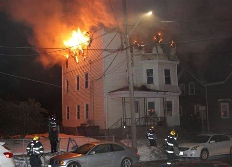 man killed  fast moving house fire  fall river abc providence ri   bedford ma