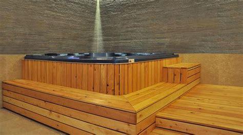 pedana di legno minipiscina in pedana a gradoni di legno teak