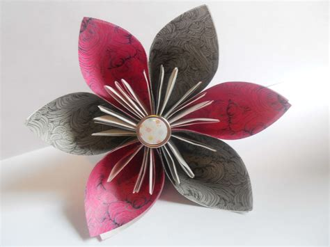 Flower Origami - how to make an origami kusudama flower