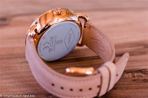 wandlen met arm fossil q wander q marshal runde style smartwatches im test