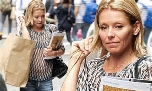 kelly ripa goes make up free as she arrives home after fronting kelly ripa goes make up free as she arrives home after