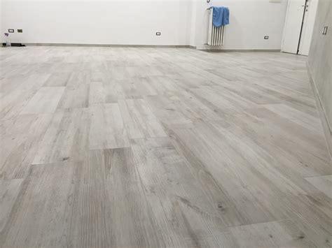 pavimento particolare foto particolare pavimento nel soggiorno di renova