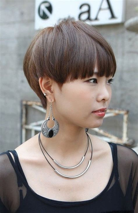 short blunt just over the ear haircut for woman most popular asian hairstyles for short hair popular