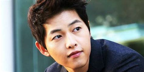 Soon Jong Ki song joong ki draws crowd of fan in china