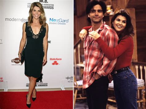 lori loughlin full house lori loughlin talks full house reboot rumors extratv com