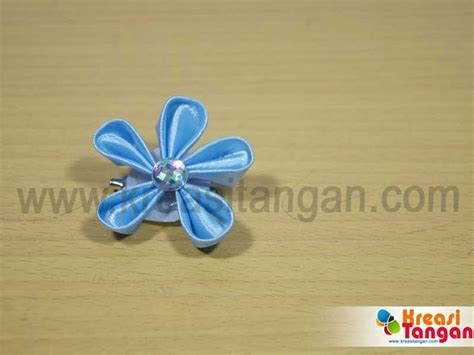 Bros Kanzashi B 89 best images about kerajinan tangan on satin