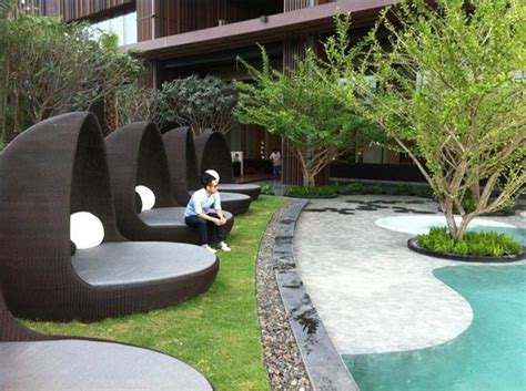 hotel hilton in thailand with luxury landscaping