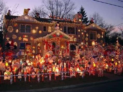 tacky christmas decorations ideas tacky decorations 42 pics izismile